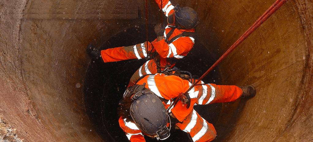 SERVIZI-Spazi-Confinati-per-la-bonifica-pulizia-delle-Cisterne-Silos-Serbatoi-interrati